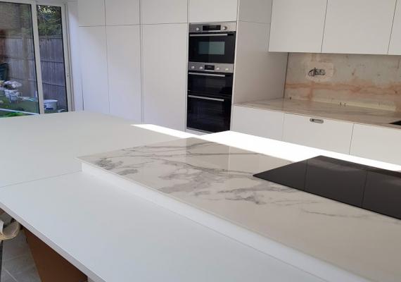kitchen-island-porcelane-worktop-countertop-high-glossy-wooden-worktop-white (1)