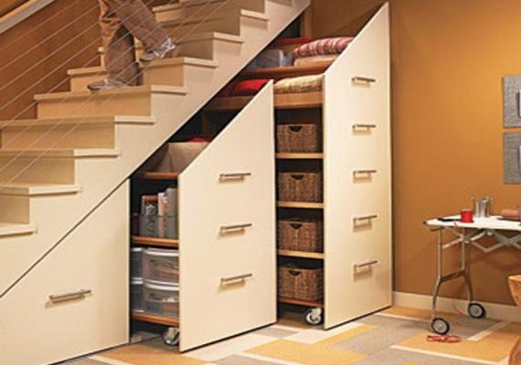 understair-cupboards-rails-open-shelves-effect-white-doors